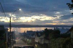Vue au soleil couchant sur Ancud