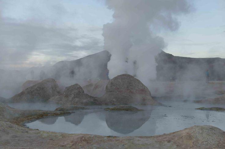 Les geysers du Sud Lipez au petit matin