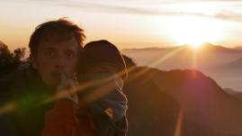 Phillip et Gwen profitent également du levé de soleil