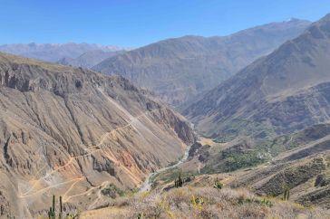 Vue sur le canyon colca depuis le mirador Apacheta